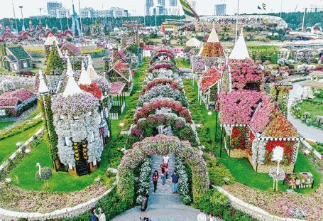 Dubai Miracle Garden opens 7 November 2017
