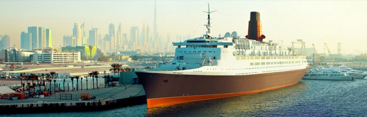 Queen Elizabeth 2 docked in Dubai